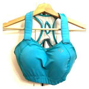 Brooks Moving Comfort sports bra in teal!